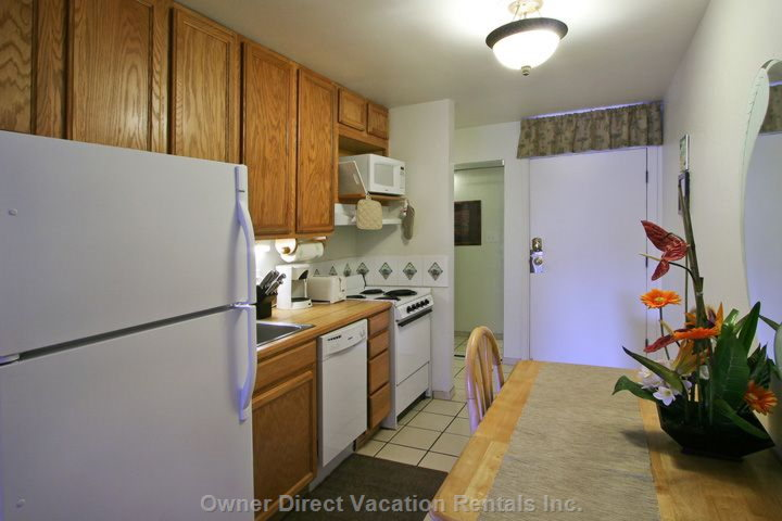 Fully Equipped Kitchen with Reverse-Osmosis Water Filtration.