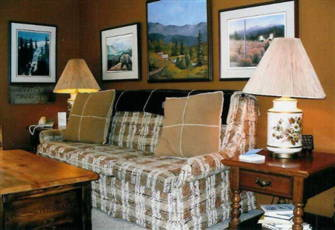 Comfort with Rocky Mountain View, True Ski in/out, Golf a 3-Wood Away