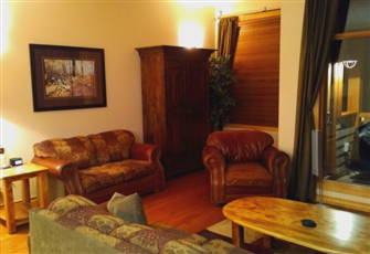 Cozy Chalet, Private Hot Tub, True Ski in/Ski out