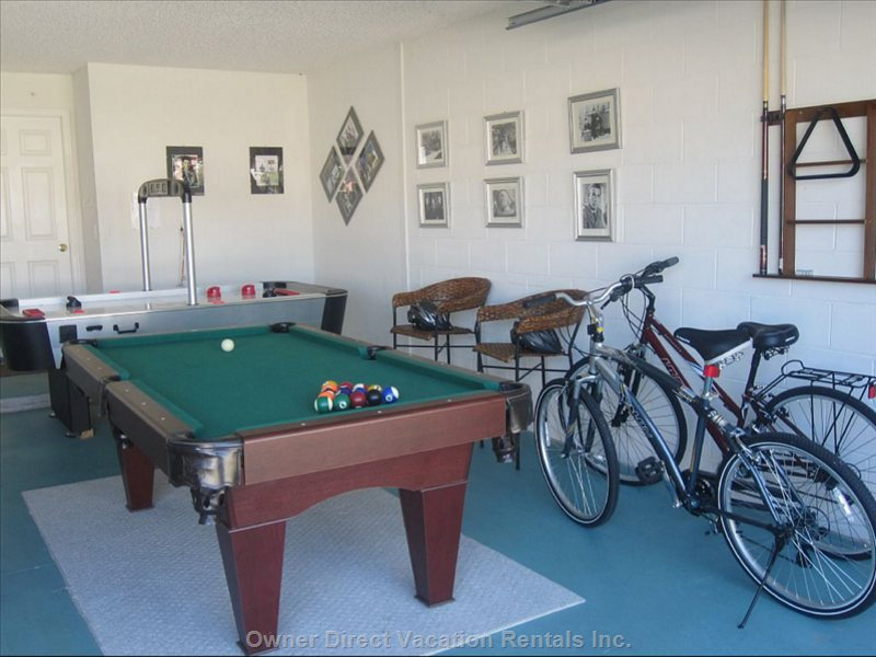 Magnificent Games Room ...Pool, Air Hockey & Table Tennis