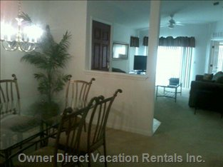 Living Dining Area, Wireless Internet with Roku - Pandora, Netflix and Plenty of other Options.,