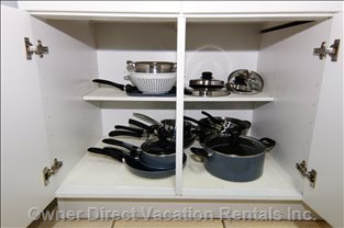 Fully Equipped Kitchen with Pots & Pens