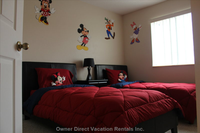 "Cool Disney Themed Bedroom W/ 32"" Lcd Flat Screen Television"