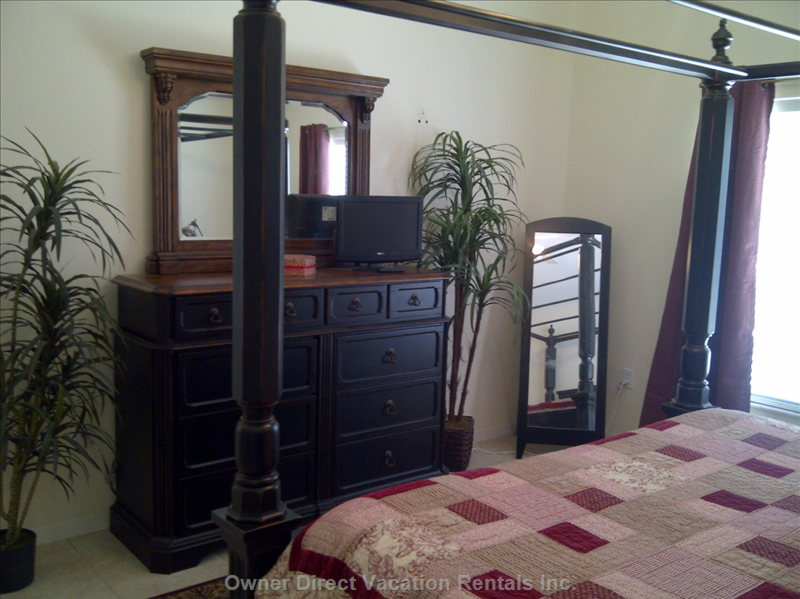 Master King Bedroom with  Private Ensuite Bath Room, Flat Screen TV