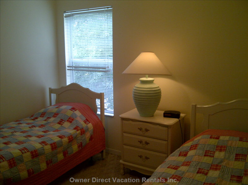 Twin Bed Room, Ceiling Fan (Upstairs)