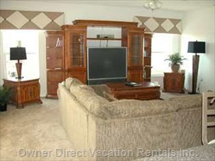 Main Lounge with Large Screen TV