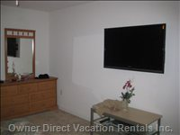 Hdtv in Master Bedroom
