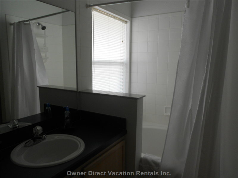 Ensuite Back Bedroom with Bath Shower