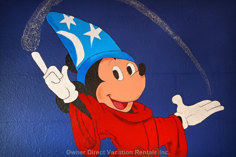 New Handpainted Mural in Disney Room