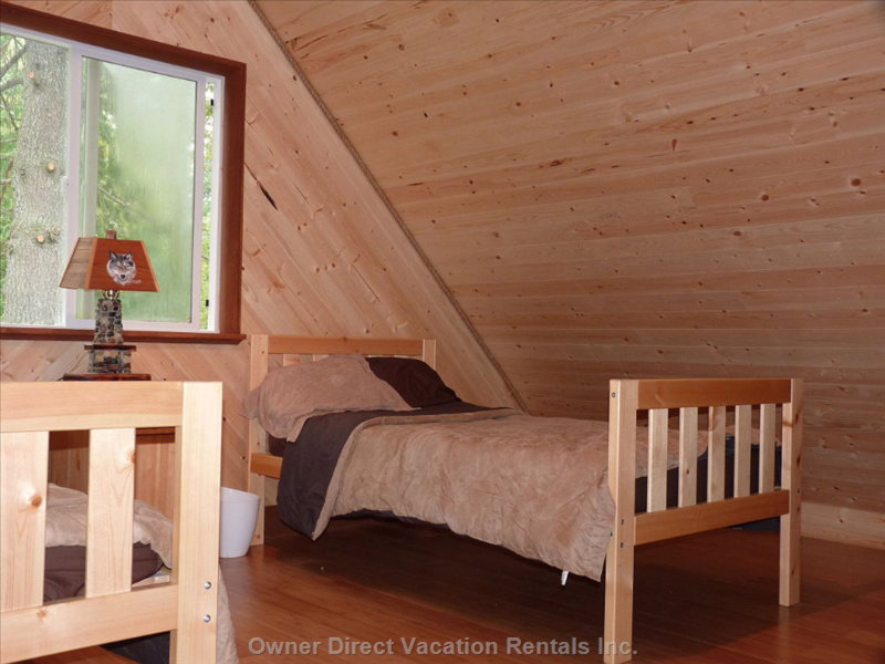 Great Childrens Area with Two Twin Beds