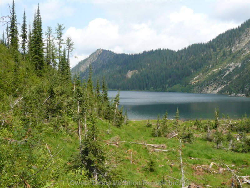 Great Hiking to Nearby Mountain Lakes