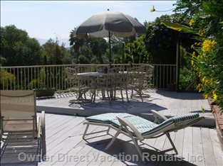 Sun Deck, Lounging, Bbq Area, Table/Chairs.