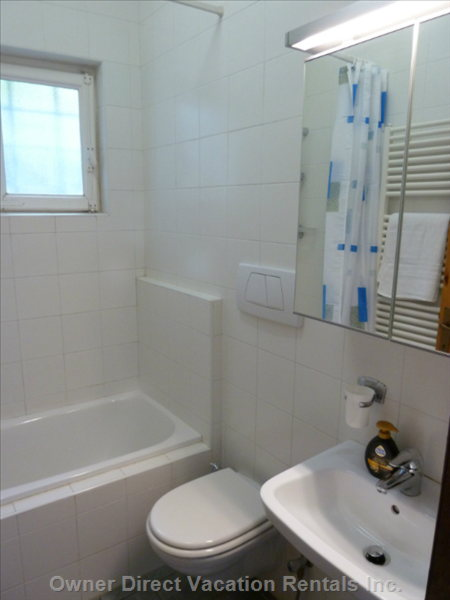 Main Bathroom with Bath, Shower, Toilet and Wash Basin