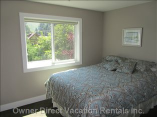 Third Upstairs Bedroom with Deluxe Queen Size Bed