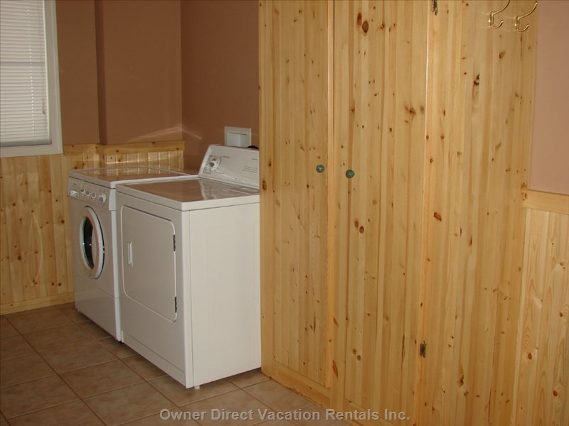 Laundry/Ski Locker Area - Large Enough and has a Cot for (1) Here.
