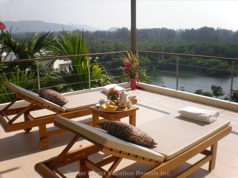 Relax on the Balcony with Stunning Views over the Lake and Sea