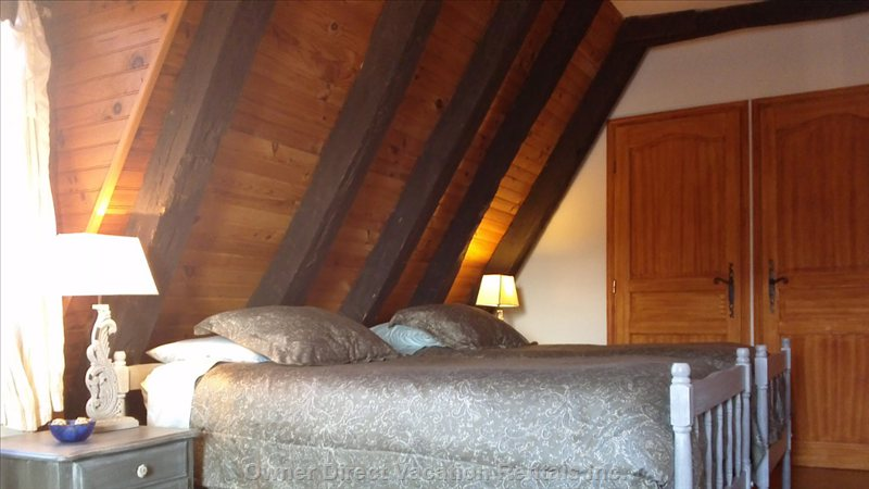 Upstairs Twin Room, Very Comfortable Beds, River Views