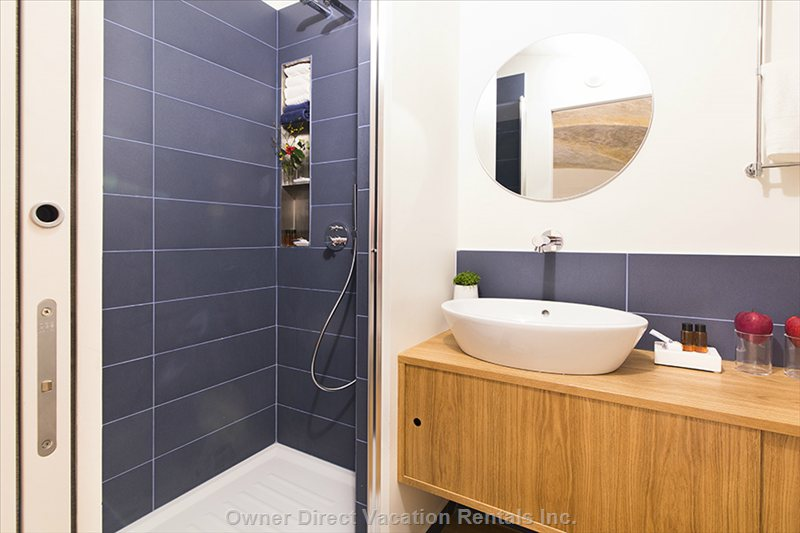 Master Bedroom Ensuite Bathroom with Shower
