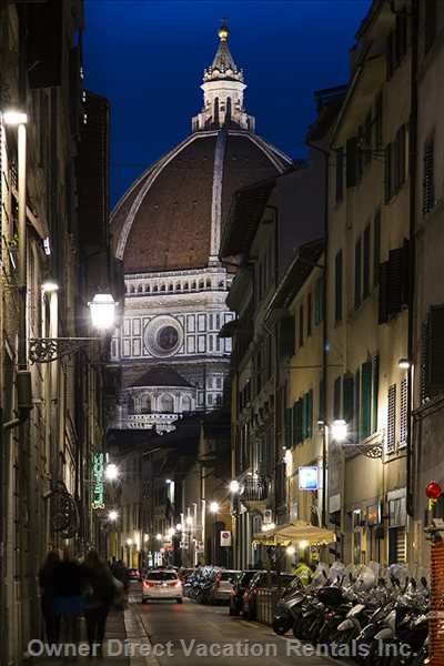 The Apartment is 5' Walking Distance from the Duomo