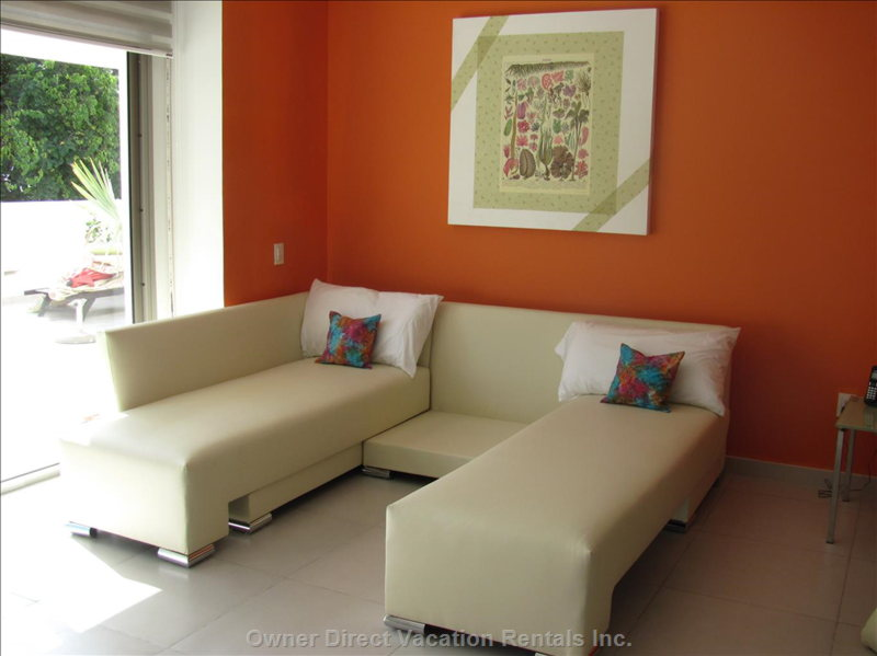 Living Room Sectional Converts to Two Twin Beds.