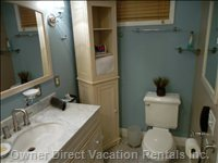 Master Bathroom - Super Clean!  Plenty of Light, Includes Night Light.