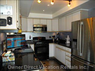 Fully Equipped Kitchen -  Double French Door Fridge with Filter Water and Ice Maker.