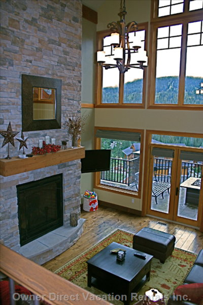 Apre Ski Grand Fireplace