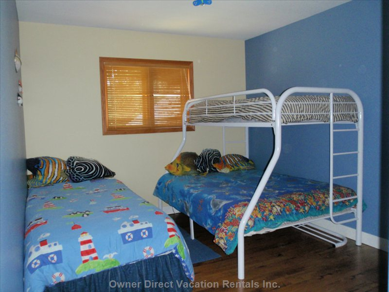 Bedroom - Sleeps 4, Dresser, Large Closet with Washer/Dryer