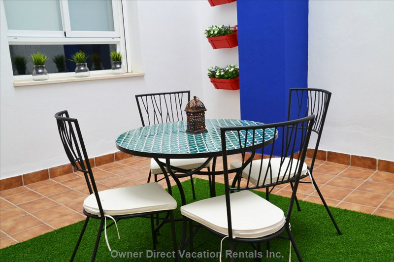 A Large Bright Private Quiet Patio is yours to Enjoy, for Meals, Drinks Or Just Simply Relax.