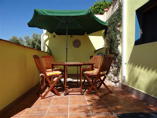 Front Patio Ideal for El Fresco Dining