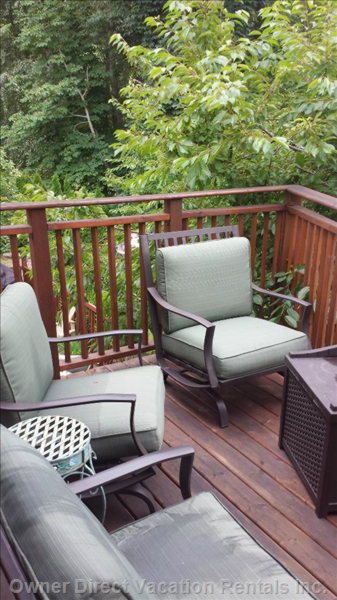 Upper Deck Sitting Area