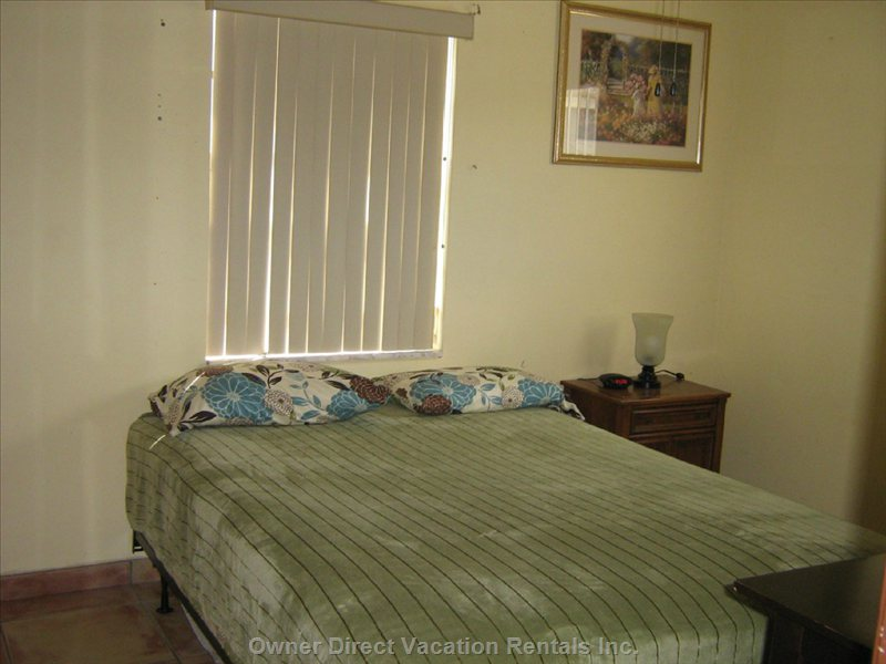 Bedroom 3 with Queen-Size Mattress, Night Table, Table Lamp, Walk-in Closet, Alarm Clock, Ceiling Fan
