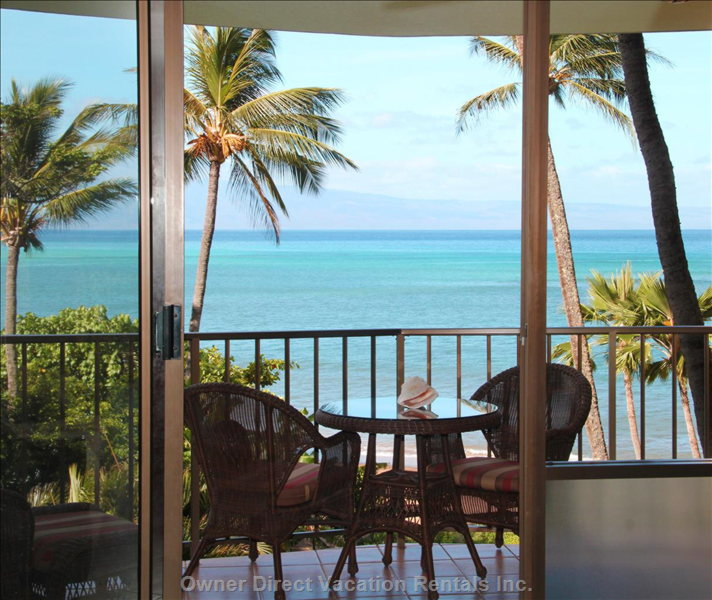 Relax on Rattan Furniture on the Lanai!