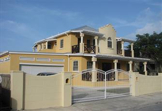 Maya's Bajan Villas - Unit a - Ground Floor - 5 Person Accommodation