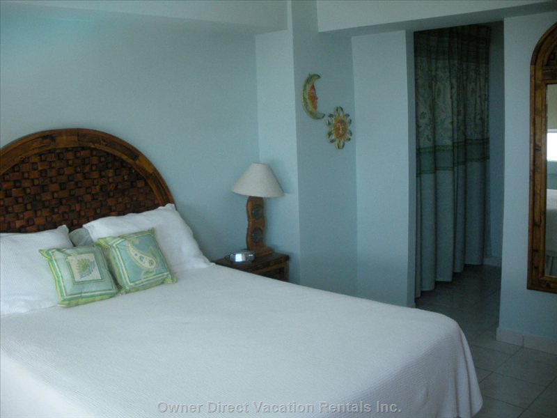 Master Bedroom - Quiet Location, Comfortable Mattress for a Good Nights Sleep.