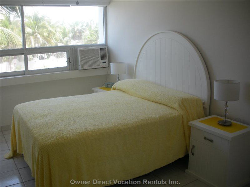 Master Bedroom - Quiet Location and a Comfortable Mattress for a Good Nights Sleep