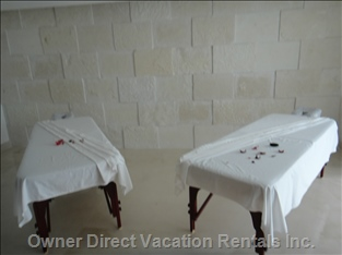 Private Massage Tables to Enjoy a Relaxing Massage.