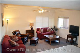 Living Room; Comfy Southwest Decor, Large Screen 42 In. TV, Golf / Mtn View