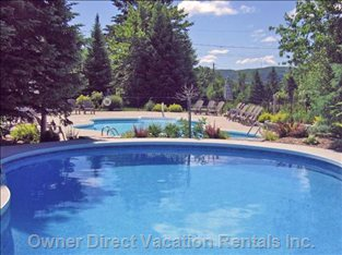 Two Heated Swimming Pools (Seasonal) with Great Views of Mont Tremblant