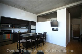 "Dinette with 4 Sittings + Idock Sound System + 30"" Tv"