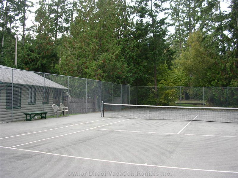 Inn of the Sea Tennis Court
