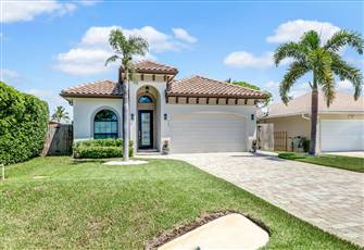 Luxe Family-Friendly Oasis in Naples Park