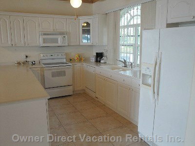 Large, Spacious Fully Equipped Kitchen