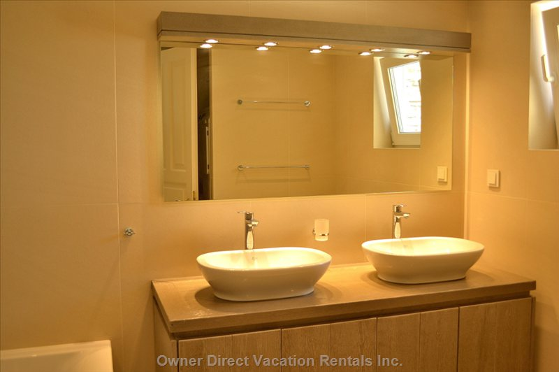 Garden's Room Bathroom
