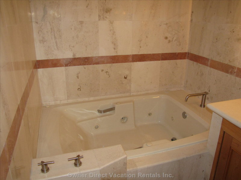 Jetted Tub in Ensuite