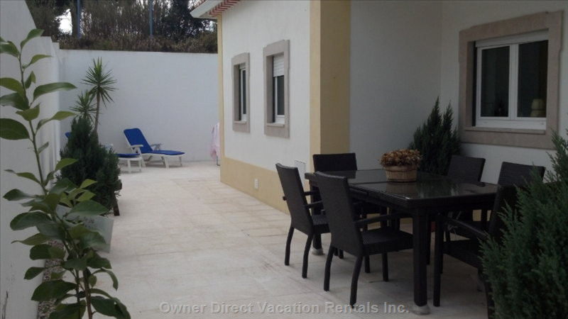 Eating Area, Sideyard, Loungers by Pool