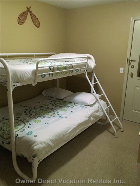 Double Bottom and Top Single Bunk