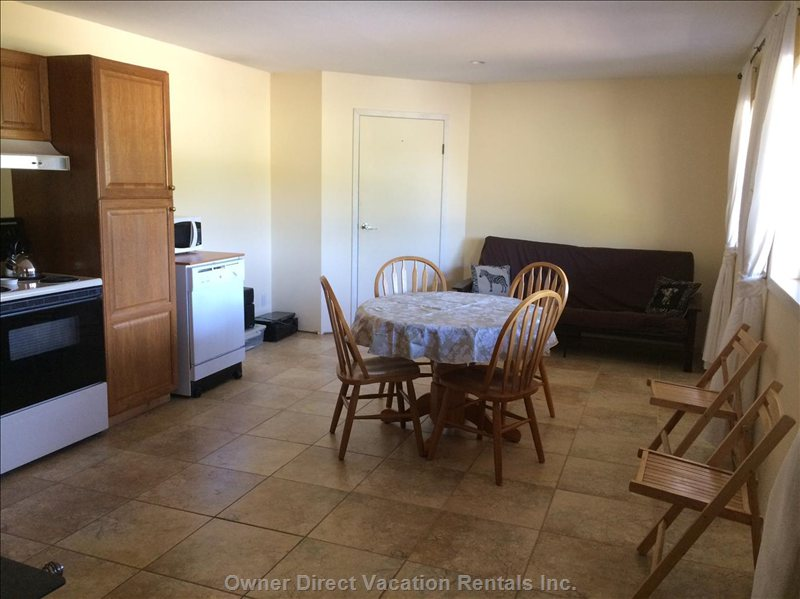 Dining/Living Room with Double Futon