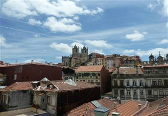 Large Apartment at Historical Center of Porto