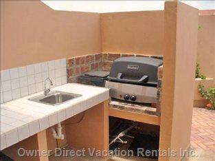 Summer Kitchen with Sink, Grill, Table & Chairs